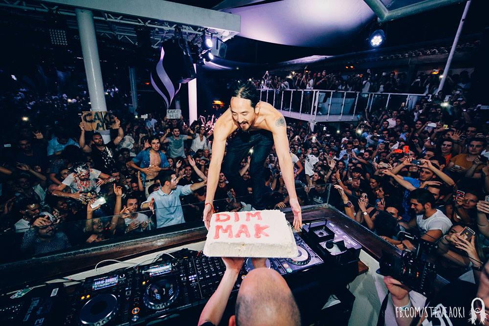 Steve Aoki cake